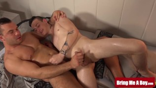 BRINGMEABOY Muscular Daddy Massage Before Swapping Handjobs